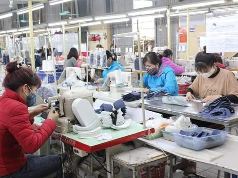 Phương Tây đeo khẩu trang và cơ hội của doanh nghiệp Việt - Ảnh 2.