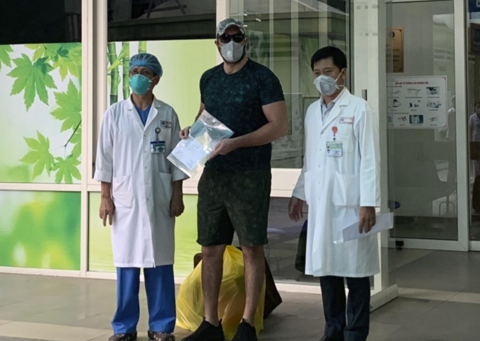 Bệnh nhân mắc Covid-19 ở Đà Nẵng: 'Cảm ơn Việt Nam đã cứu tôi' - Ảnh 1.