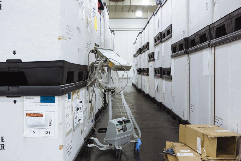 Nhà cung cấp của Apple đặt mục tiêu sản xuất 30.000 máy thở một tháng - Ảnh 1.