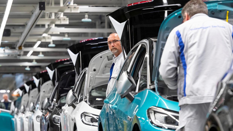 Đến ngành sản xuất ô tô đối mặt với doanh thu thua lỗ hơn 100 tỉ USD - Ảnh 3.
