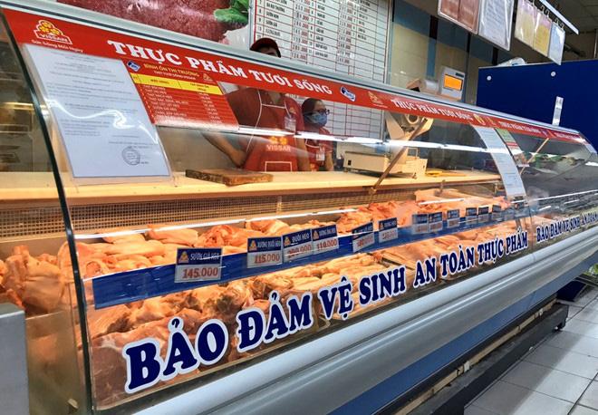 Co.opmart bất ngờ giảm mạnh đến 25% giá thịt heo  - Ảnh 1.