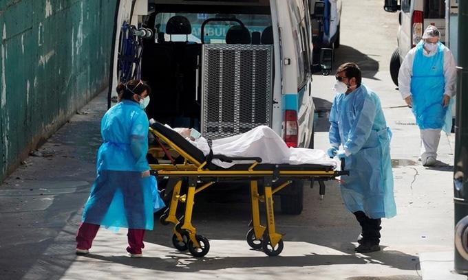 Cập nhật dịch Covid-19 trên thế giới ngày 6/4: Số ca tử vong ở Italy thấp nhất trong hai tuần, Nhật Bản sắp ban bố tình trạng khẩn cấp - Ảnh 2.