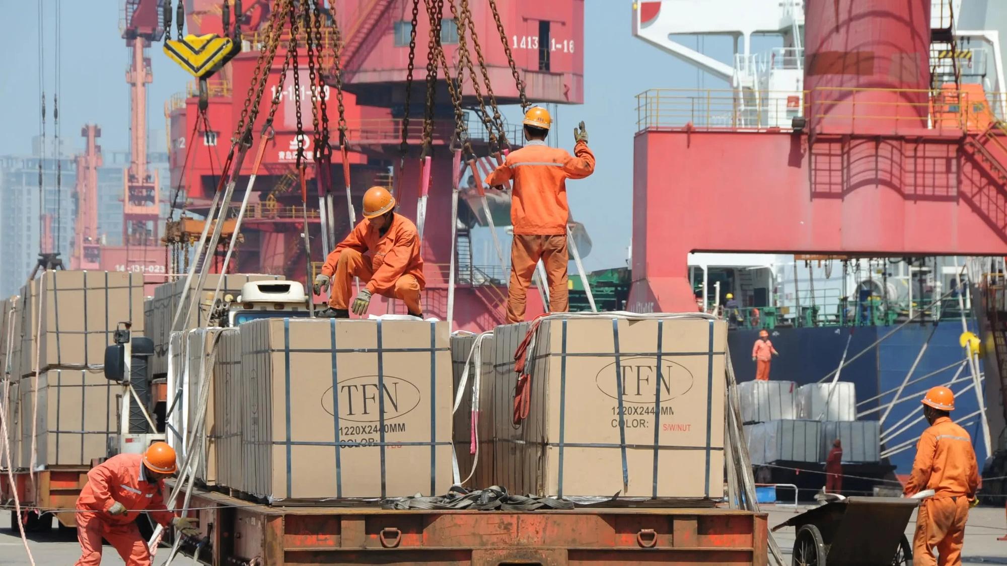 Trung Quốc hứa sẽ không hạn chế xuất khẩu vật tư y tế - Ảnh 3.
