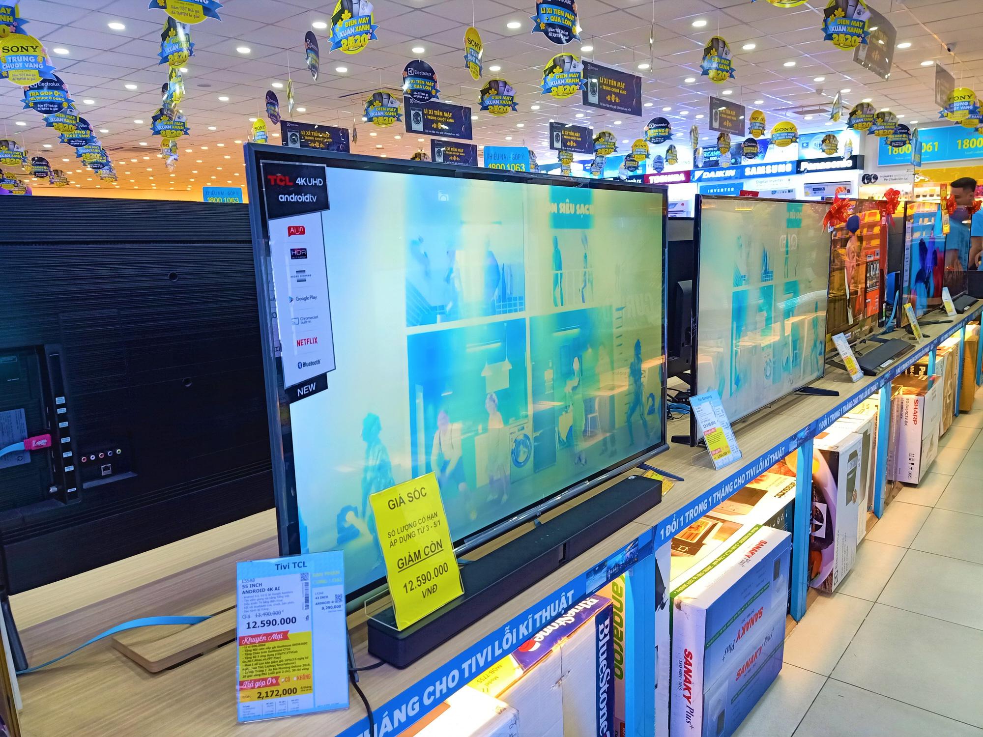 Tivi giảm giá ngập tràn kích cầu mua sắm trong mùa dịch bệnh Covid-19 - Ảnh 3.