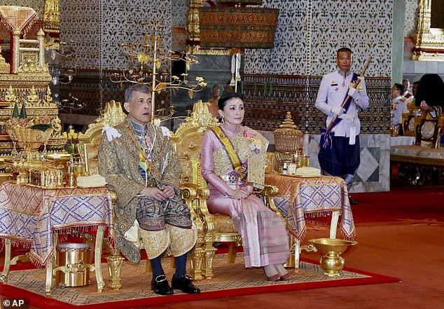 Bên trong khách sạn được Quốc vương Thái Lan thuê để cách li tránh dịch Covid-19 - Ảnh 1.