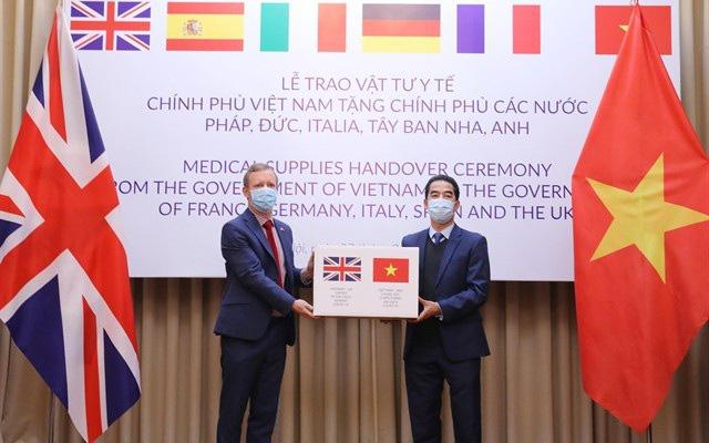 Báo Mỹ ca ngợi Việt Nam viện trợ cho EU chống đại dịch Covid-19 - Ảnh 1.