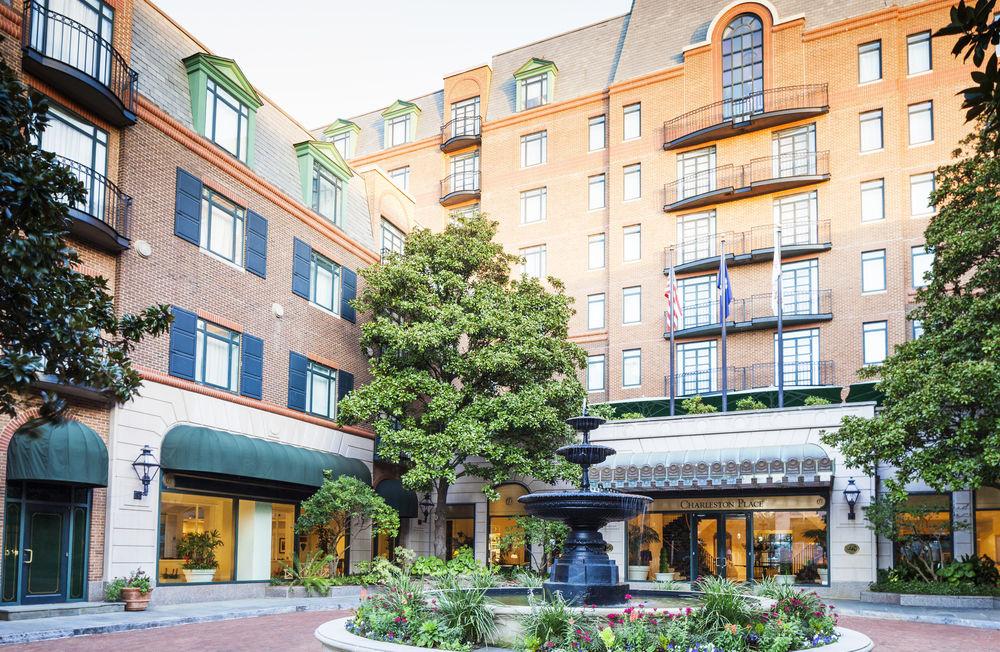 Nhiều khách sạn hạng sang trên thế giới tham gia vào công tác chống dịch Covid-19 - Ảnh 1.