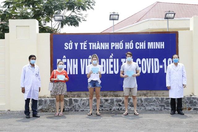 Tỉ lệ điều trị thành công Covid-19 tại Việt Nam đạt 50% - Ảnh 1.