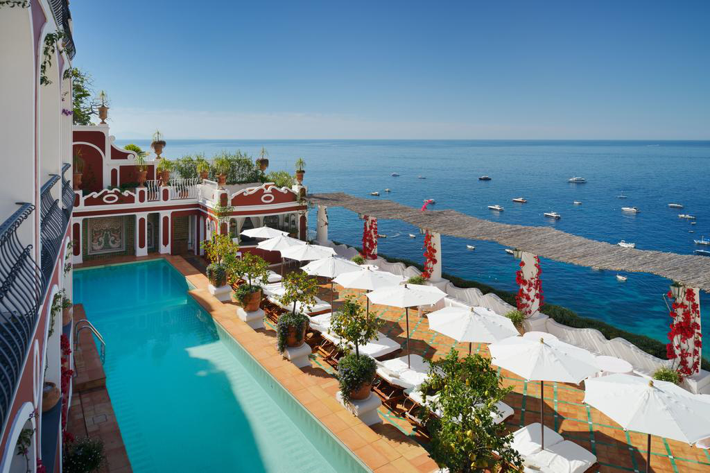 Nhiều khách sạn hạng sang trên thế giới tham gia vào công tác chống dịch Covid-19 - Ảnh 4.