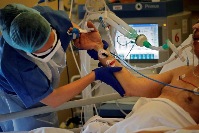 Cập nhật dịch virus corona trên thế giới ngày 8/4: ASEAN ghi nhận thêm hàng trăm ca nhiễm mới, Mỹ có số tử vong cao nhất trong ngày với 1.941 ca - Ảnh 2.