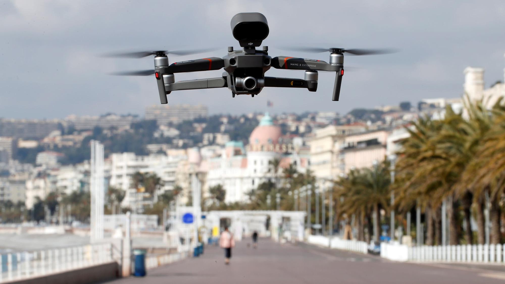 EU sử dụng thiết bị bay không người lái DJI trong nỗ lực giải quyết các vấn đề của dịch Covid-19 - Ảnh 1.