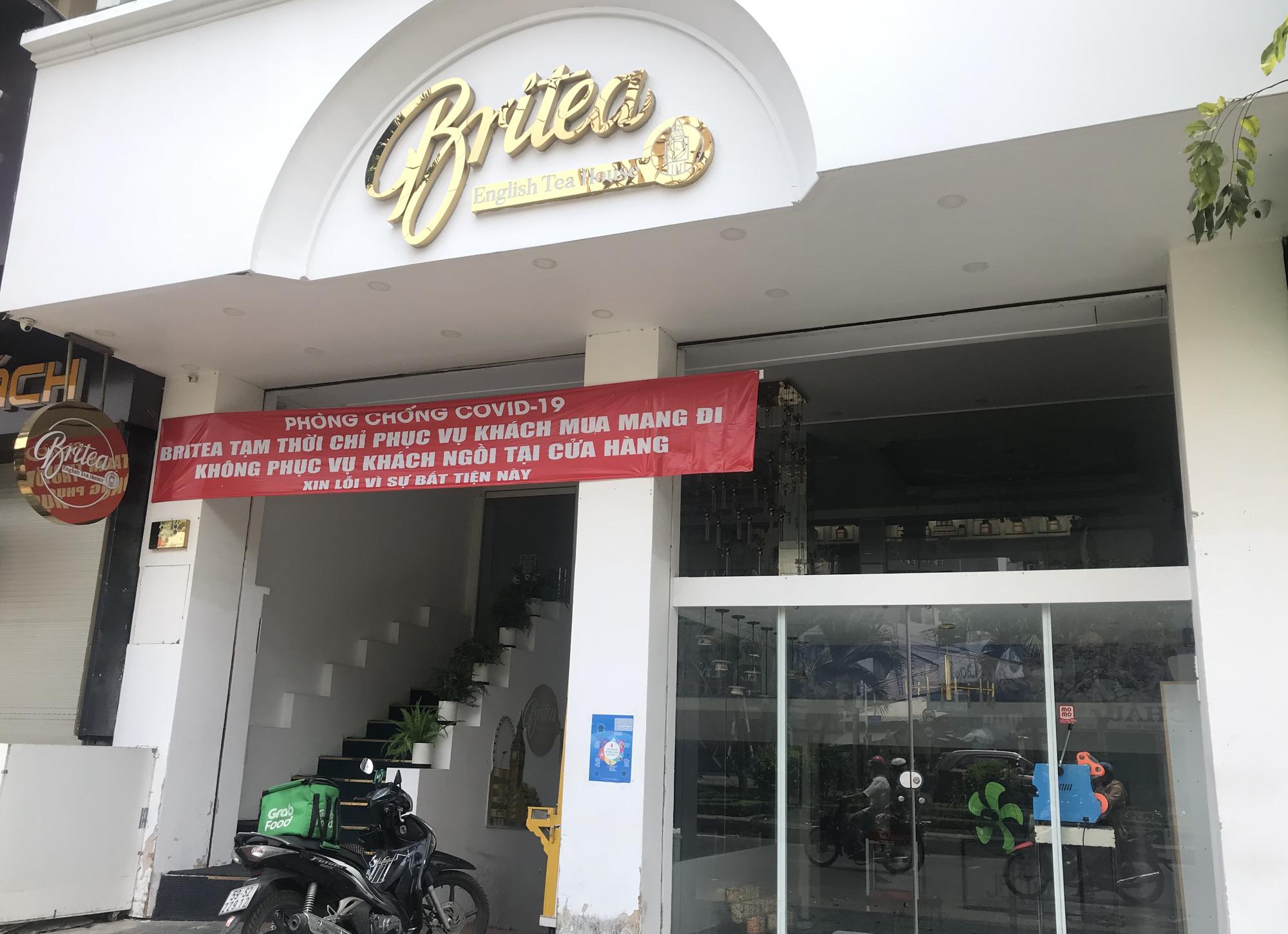 Một nửa doanh nghiệp Việt Nam sẽ phá sản vì dịch Covid-19, kiến nghị miễn, giảm thuế thay vì tạm hoãn - Ảnh 2.