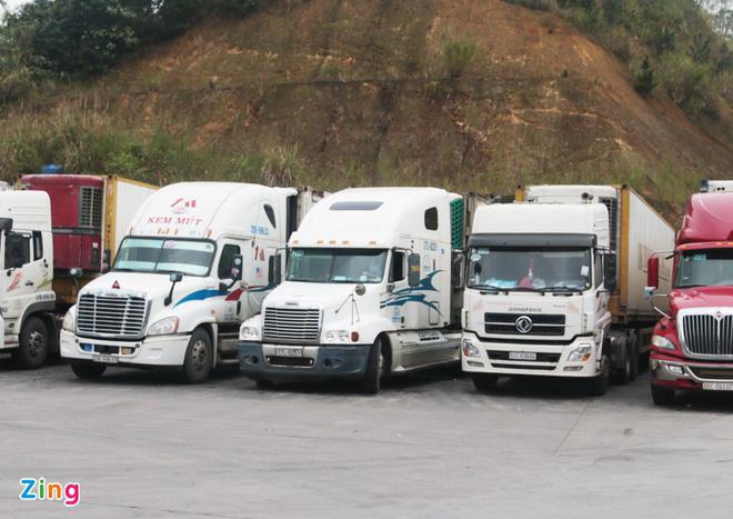 Trung Quốc xây tường biên giới để kiểm soát hàng xuất nhập khẩu - Ảnh 1.