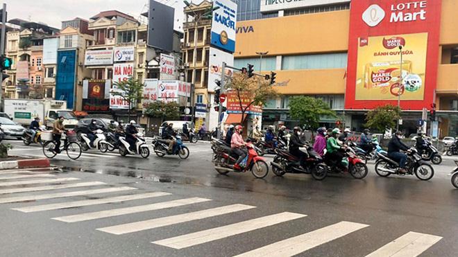 Liên quan đến Bệnh viện Bạch Mai, còn 4.000 - 5.000 trường hợp ngoài cộng đồng chưa khai báo - Ảnh 1.