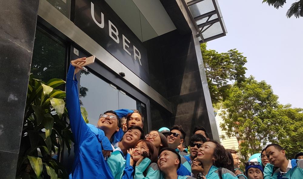 hang tram tai xe dieu hanh chia tay uber o ha noi