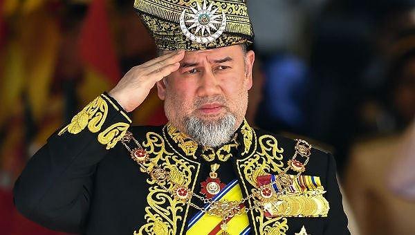 thoai ca ngai vang de cuoi vo hoa hau cuu vuong malaysia ly hon sau 2 thang