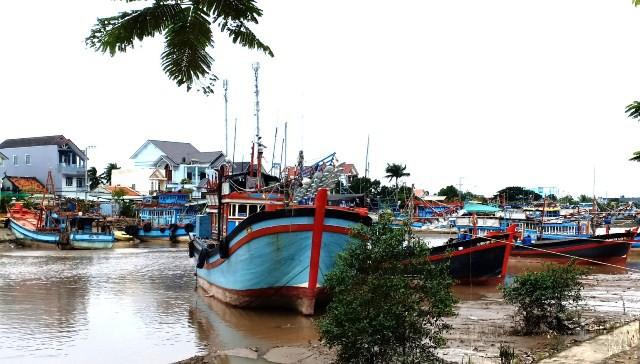 Các bến phà ở TP HCM tạm ngưng hoạt động do bão số 9 | Việt