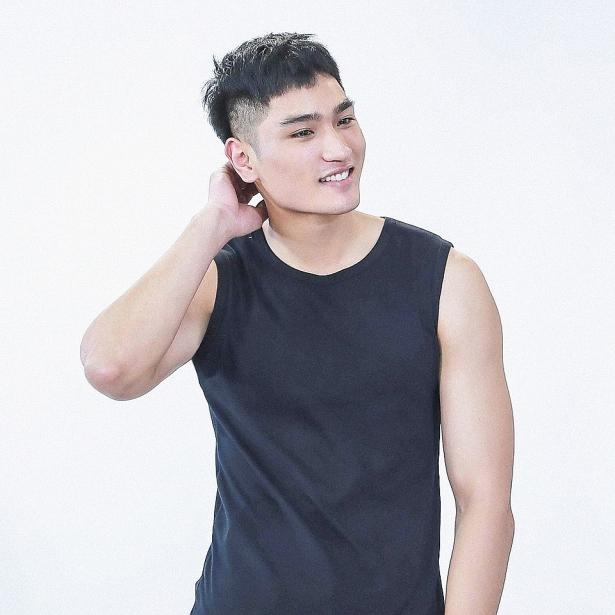 huy quang top 15 the face vietnam 2018 toi muon kiem that nhieu tien de tro thanh tru cot cua gia dinh