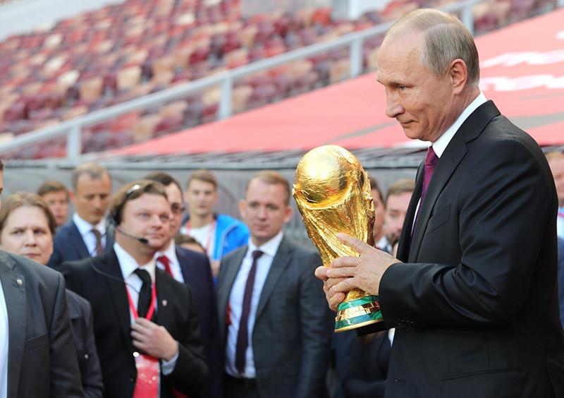 nga duoc va mat gi sau khi chi hon 12 ty usd cho world cup