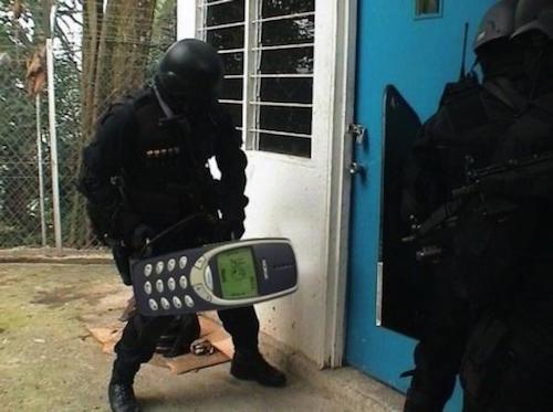 nokia 3310 hoat dong lien tuc trong 17 nam