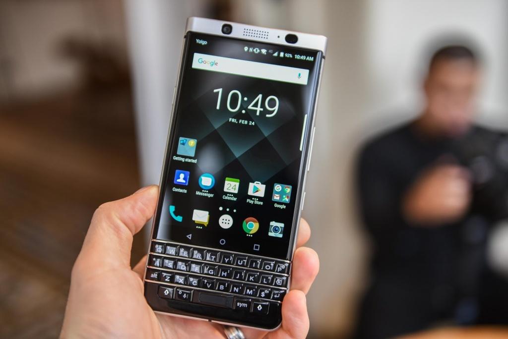 blackberry keyone la smartphone cao cap co pin an tuong nhat nam 2017
