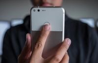 nghien cuu moi nhat nguoi dung iphone kem trung thuc boc dong hon fan android
