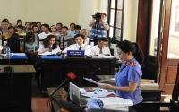 Xét xử BS Hoàng Công Lương: Kiểm sát viên xin lỗi luật sư và bị cáo vì nhầm bút lục do 'số 3 và số 8 giống nhau'
