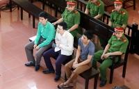 Xét xử bác sĩ Hoàng Công Lương sáng 24/5: Luật sư Thiên Sơn soạn 9 phong bì đưa hết cho người nhà nạn nhân