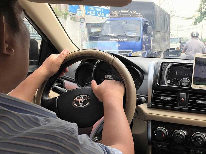 khong the cam dich vu di chung xe cua uber grab