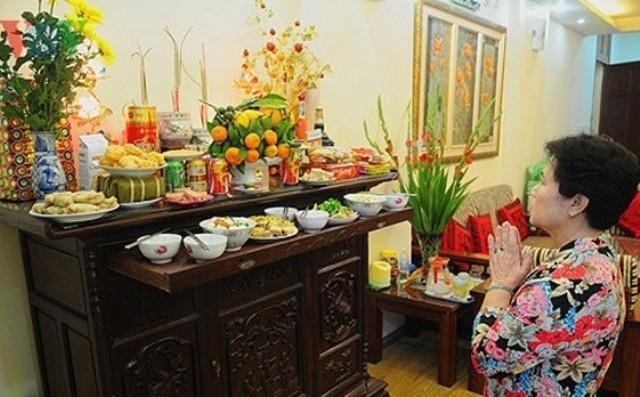 chuyen gia ly huong dan gia dinh hien dai cach cung ram thang 7 chuan xac