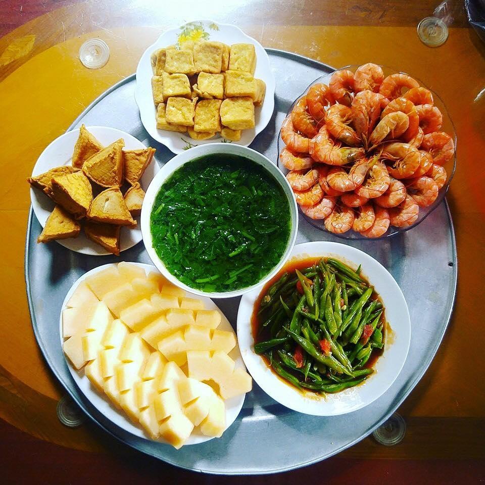 khoe nhung mam com hut nghin like co giao tieng anh tho the la do bo day