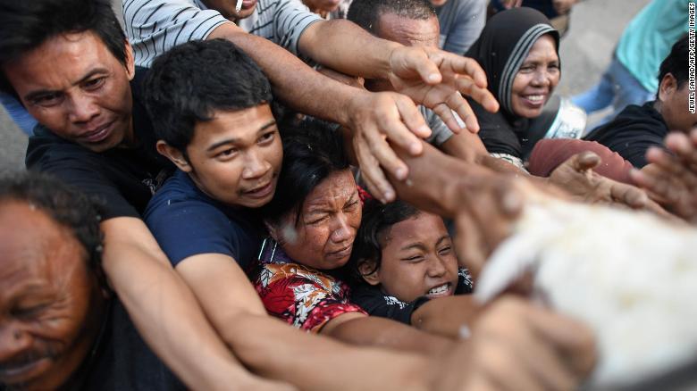 chinh phu indonesia cho phep hon 1200 tu nhan vuot nguc o lai 1 tuan tham nguoi than