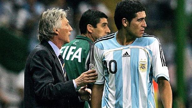 dt argentina sap tai hop pekerman nguoi lai taxi cho hy vong cuoi cung cua messi